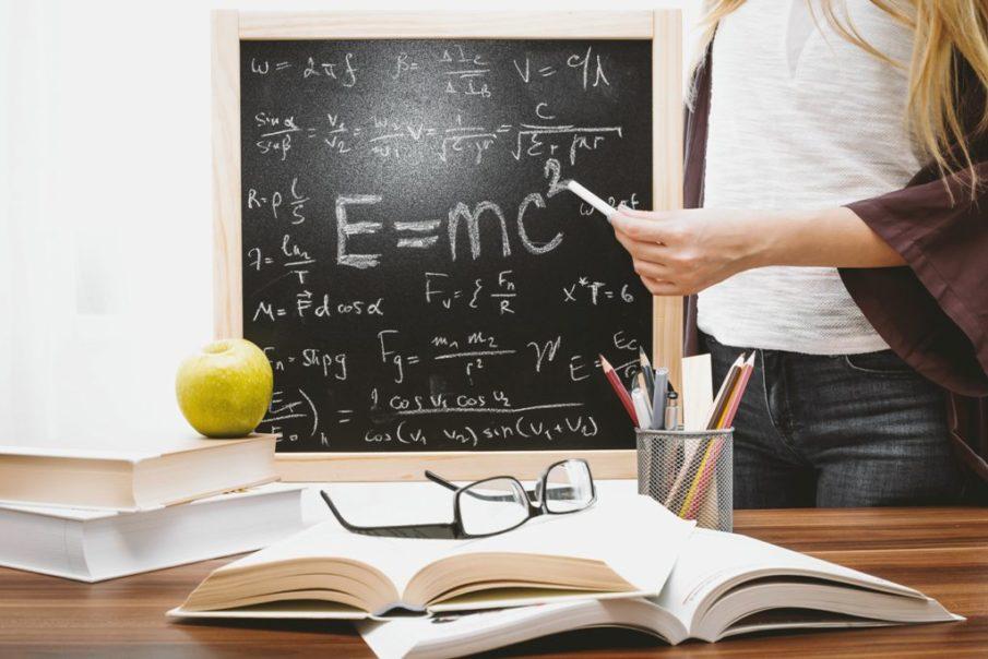 Kinder besser auf die Schule vorbereiten durch Förderung verschiedener Bereiche im Alltag